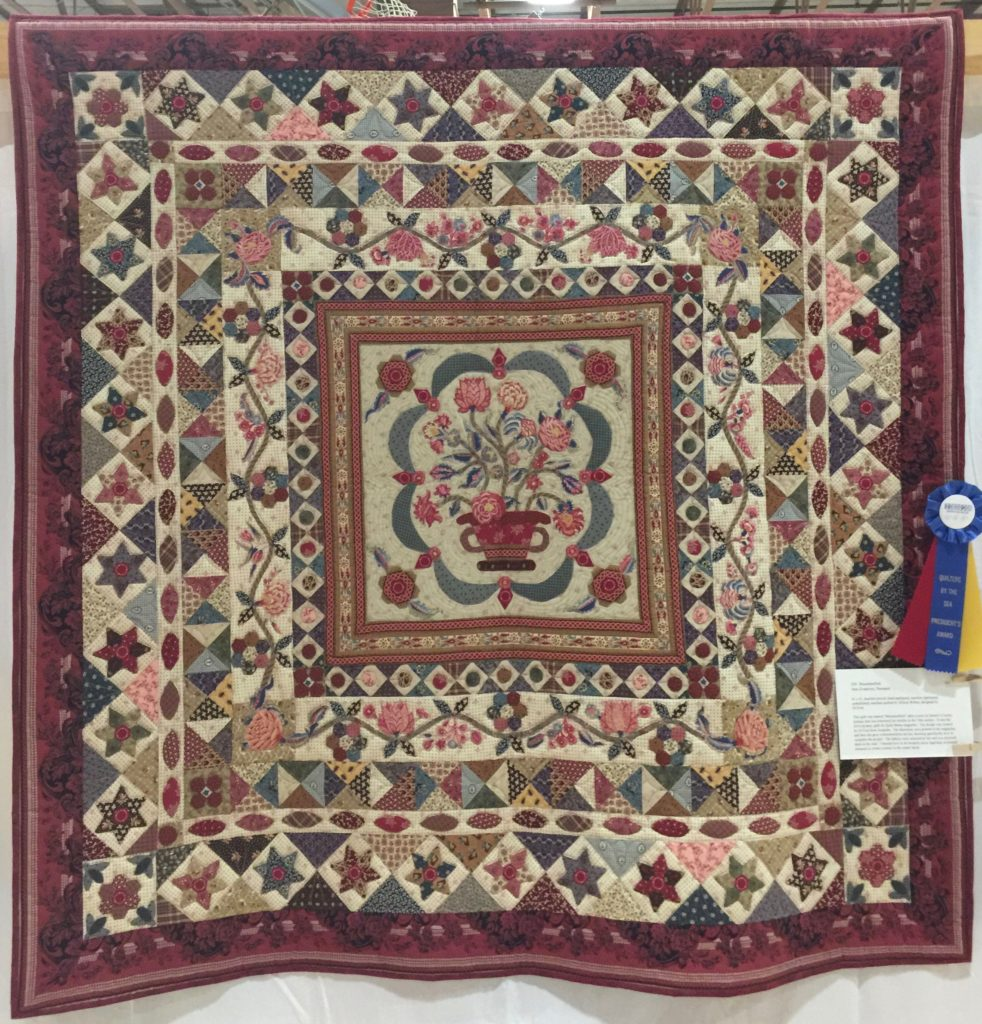 Mount Mellnick pattern by Di Ford. Hand pieced and appliquéd by Ann Zvanovec. President's Award, Quilters but he Sea show April 2017